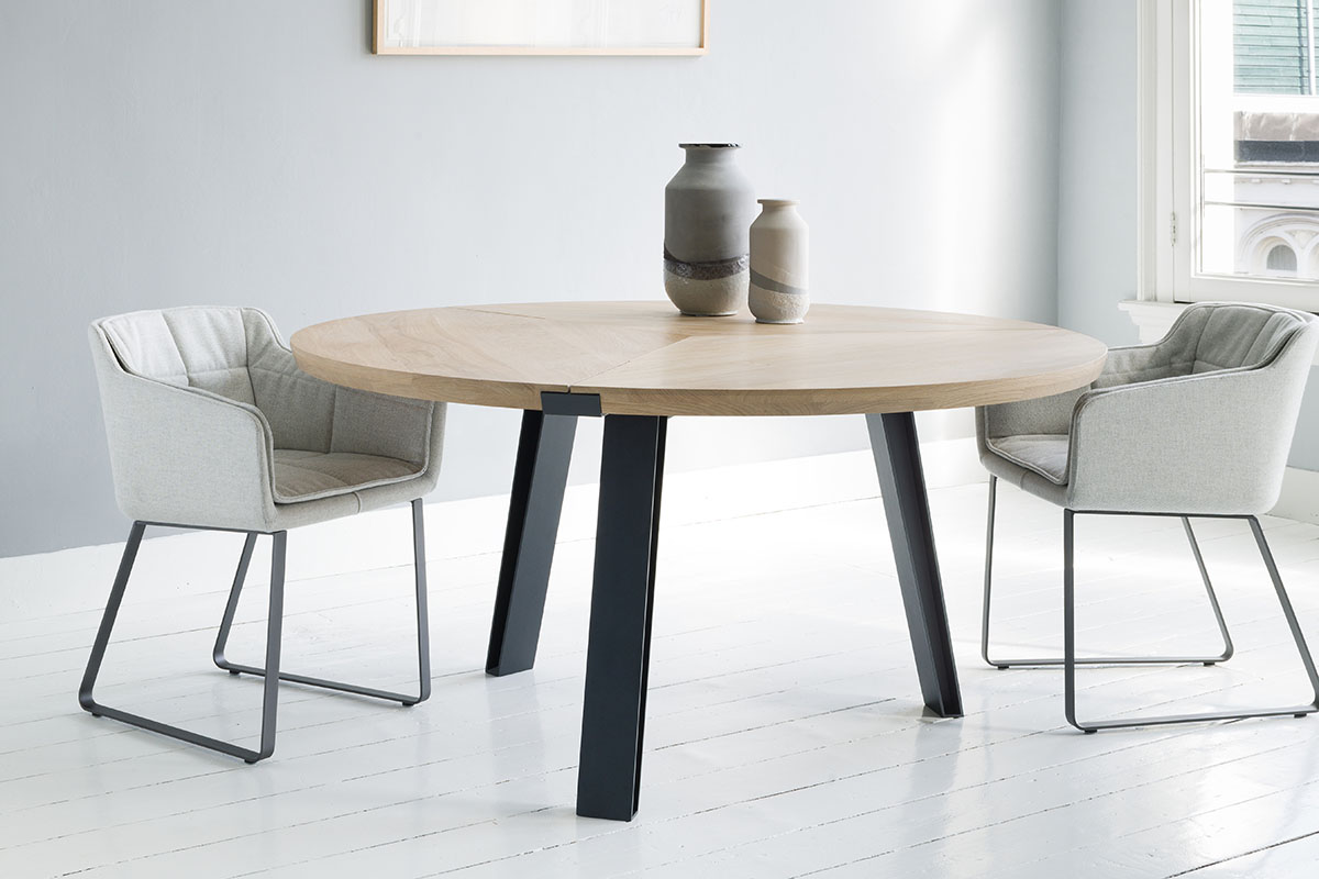 Side-to-Side Round Table bij Robeerst Interieurs